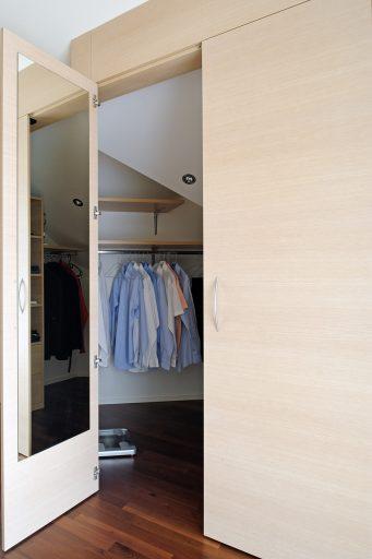 individueller innenausbau, wohnzimmermöbel, individuelle wohnwand, sideboard, kommode