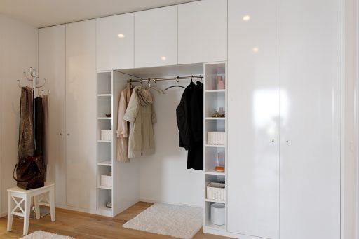 baumann küchen, innensaubau schweiz, individuelle innenausbau. moderner innenausbau, innenausbau nach mass, innenausbau nach ihren wünschen, einbauschrank, einbauschränke, einbauschrank schweiz, moderne einbauschränke, begehbarer kleiderschrank, möbel aus naturholz, garderobe
