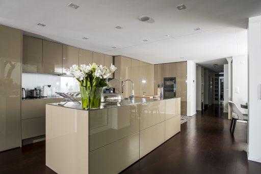 baumann küchen, küchenbau schweiz, küchen verkauf, küchen kauf, individuelle küche, küche, küchen, küchenausstellung, kochinsel, kochinseln, designküchen, design küchen, küchenausstellungen, designküchen ch, ausstellungsküchen, küchenausstellung schweiz, musterküchen ausstellungsküchen, ausstellungsküchen schweiz, ausstellungsküche, kücheneinrichtungen schweiz, küchenmontagen schweiz, küchen einrichtung, ausstellungsküchen bern, einbauküchen schweiz, kuechen,, elegante küche, moderne küche, astor küche, mondo küche, küchen design, grosse küche, kleine küche, kompakte Küche, offene küche, zeitlose küchen, klassische küche, persönliche küche