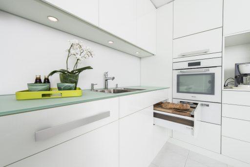 baumann küchen, küchenbau schweiz, küchen verkauf, küchen kauf, individuelle küche, küche, küchen, küchenausstellung, kochinsel, kochinseln, designküchen, design küchen, küchenausstellungen, designküchen ch, ausstellungsküchen, küchenausstellung schweiz, musterküchen ausstellungsküchen, ausstellungsküchen schweiz, ausstellungsküche, kücheneinrichtungen schweiz, küchenmontagen schweiz, küchen einrichtung, ausstellungsküchen bern, einbauküchen schweiz, kuechen,, elegante küche, moderne küche, astor küche, mondo küche, küchen design, grosse küche, kleine küche, kompakte Küche, zeitlose küchen, klassische küche, persönliche küche, weisse küche